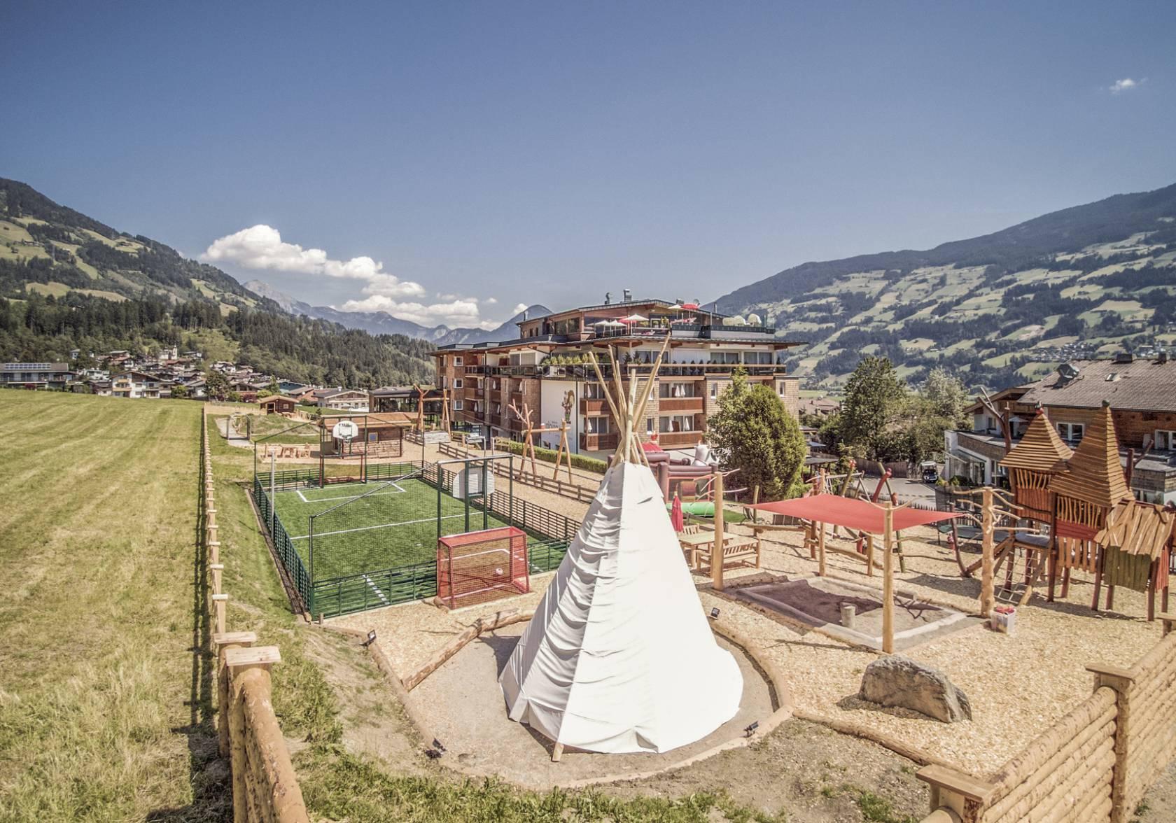 Family Lifestyle Kinderhotel In Tirol Alpina Zillertal