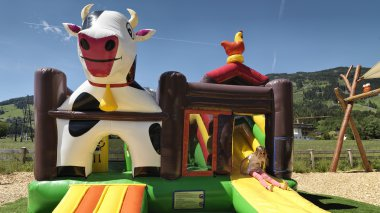 Bouncy castle|Bouncy castle
