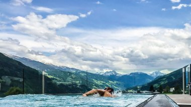 Penthouse-Spa Wellness im alpina Zillertal