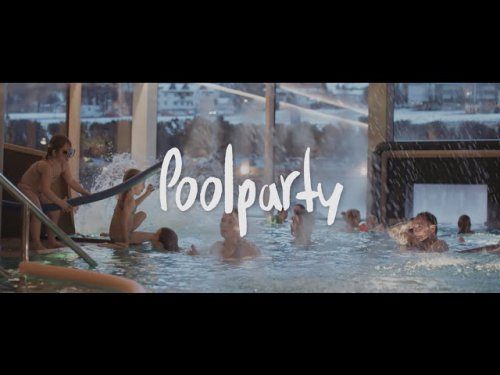 Spaßige Poolparty im Kinderhotel alpina zillertal in Fügen
